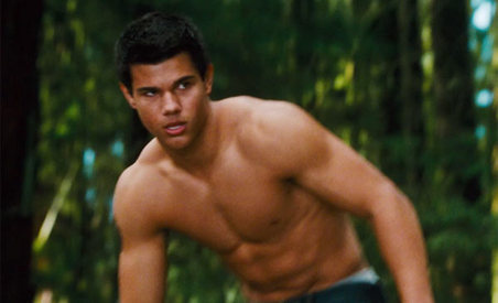 gallery_main-taylorlautner-new-moon-photos-06032009-02